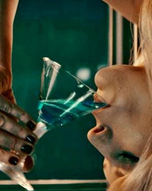 Upside-Down-03, Copyright Millenium Entertainment / Concorde Filmverleih